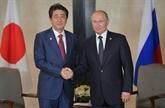 À Singapour, Poutine et Abe parlent d'un traité de paix