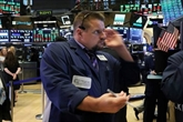 Wall Street, profitant des rebonds d'Apple et du pétrole, finit en hausse