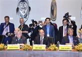 Le PM vietnamien assiste à des dialogues dans le cadre de l'APEC 2018