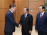 Le secrétaire du Parti Nur Otan du Kazakhstan reçu à Hanoï
