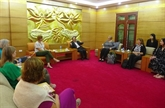 Une délégation du projet ''Two sides project'' des États-Unis au Vietnam