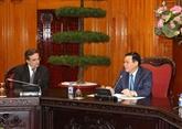 Le vice-Premier ministre Vuong Dinh Huê reçoit des entreprises françaises