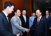 Le Premier ministre vietnamien rencontre des responsables de groupes chinois