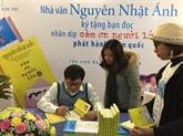 L'auteur Nguyên Nhât Anh rend fous les lecteurs à Hanoï