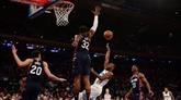 NBA: le vétéran Parker et l'espoir Ntilikina font vibrer le Madison Square Garden