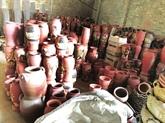 La beauté simple des poteries rustiques de Phù Lang
