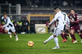 Italie: la Juventus prend aussi le Derby