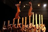 Des villages vietnamiens reconstitués à travers un spectacle d'art de cirque