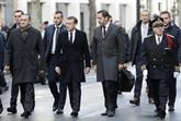 Macron constate les dégâts à Paris, réunion de crise à l'Élysée