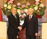 Entrevue entre le secrétaire général du Parti et président vietnamien et le roi cambodgien