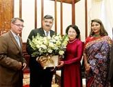 La vice-présidente Dang Thi Ngoc Thinh reçoit le président de SOS Villages d'enfants International