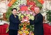La présidente de l'AN adresse ses félicitations de Noël à Dông Nai