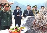Inhumation des restes des martyrs à Hà Giang et Gia Lai