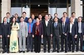 La présidente de l'Assemblée nationale rencontre de jeunes entrepreneurs