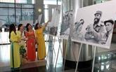 Exposition de photos sur les dirigeants de la révolution cubaine à Hanoï