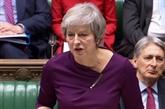 Brexit: Affaiblie par des revers, Theresa May défend son accord