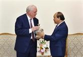 Un professeur de lUniversité Harvard reçu par le Premier ministre vietnamien