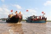 Des milliers de personnes au festival Nghinh Ông à Bac Liêu