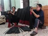 Un village des bâtonnets d'encens noirs à Bac Ninh