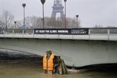 Un gilet de sauvetage pour le zouave de la Seine