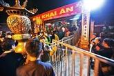 Des dizaines de milliers de visiteurs à la fête de louverture des sceaux du temple Trân