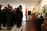 Hommage à l'ancien PM Phan Van Khai aux ambassades du Vietnam à l'étranger