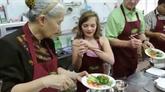 À Paris, un restaurant donne des cours de cuisine vietnamienne
