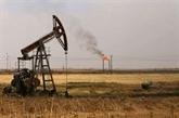 Le pétrole termine en ordre dispersé, surveillant une réunion de l'OPEP
