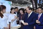 Activités du PM Nguyên Xuân Phuc à Singapour