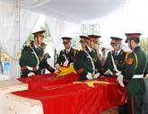 Quang Tri: inhumation des restes de 21 volontaires vietnamiens tombés au Laos