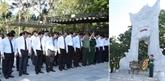 Le Premier ministre Nguyên Xuân Phuc rend hommage aux morts pour la Patrie