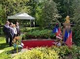 Le 128e anniversaire du Président Hô Chi Minh célébré à l'étranger