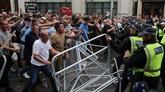 Au moins cinq policiers blessés dans une manifestation à Londres