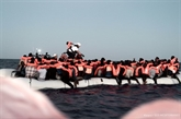 L'Espagne prête à accueillir le navire de migrants rejeté par l'Italie et Malte