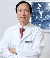 Nguyên Thanh Liêm, premier docteur vietnamien à obtenir le prix Nikkei Asia