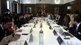 Vietnam et Royaume-Uni s'engagent à promouvoir le commerce bilatéral