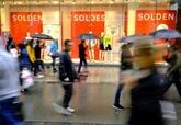 France: les derniers soldes d'été de six semaines commencent le 20 juin