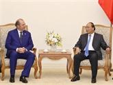 Le Premier ministre reçoit le directeur général du groupe d'assurances italien Generali