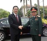 Le ministre sud-coréen de la Défense en visite officielle au Vietnam