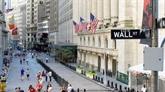 Wall Street, aidée par Nike et l'énergie, termine en hausse