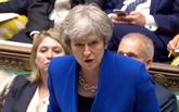 En pleine tourmente, Theresa May s'accroche à la tête du gouvernement