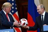 Poutine offre un ballon à Trump, très élogieux sur le Mondial