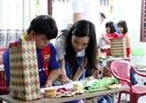 Quang Nam: des jeunes Viêt kiêu découvrent la beauté de la vieille ville de Hôi An