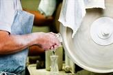 France: une vallée normande produit 70% des flacons de luxe dans le monde