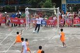 Football: l'entraîneur Park Hang Seo à la rencontre des enfants pauvres de Hà Giang