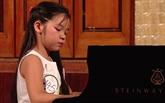 Une petite fille vietnamienne remporte un concours international de piano