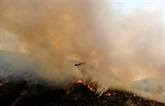 Incendies en Californie: les pompiers progressent malgré des conditions défavorables