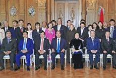Les compatriotes vietnamiens à létranger contribuent au développement national