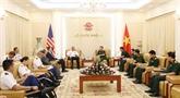 Le général Phan Van Giang reçoit le commandant en chef de lUSARPAC