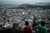 La Grèce tourne la page des plans d'aide, pas encore celle de l'austérité